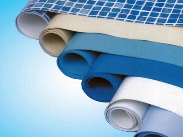 Специальная полимерная мембрана повышенной толщины для устройства бассейнов по своим эксплуатационным характеристикам не уступает большинству традиционных материалов