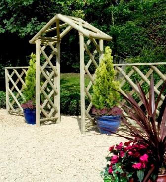 Обязательно обратите внимание и на декоративные деревянные арки для дачи