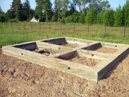 Устанавливаем качественный фундамент для дачной бани
