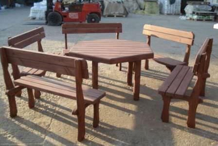 Вся мебель в беседке должна быть в хорошем состоянии!