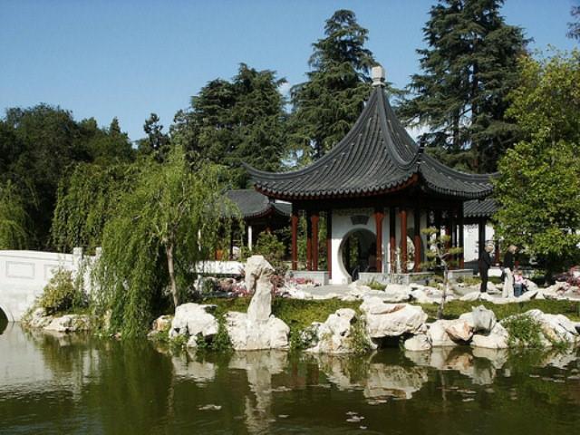 Главное отличие японских пагод от других построек – гармоничное слияние и полный консонанс с окружающей средой