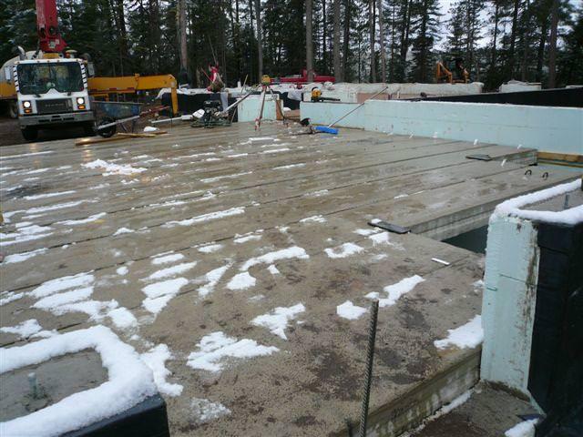 Пластификаторы нередко используются и в дачном строительстве, и в зимний период, необходимо только чтобы рецептура приготовления максимально соответствовала требованиям