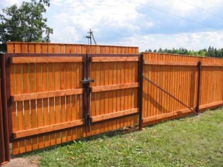 Изучаем варианты деревянных дачных ворот!