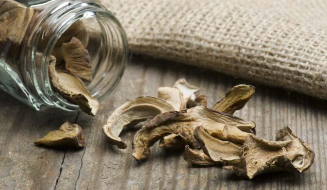 Сушеные белые грибы удачно сочетают пользу, выразительный вкус и незабываемый грибной аромат