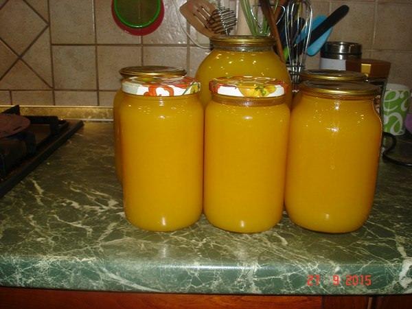 Особенность приготовления этого напитка заключается в том, что плоды необходимо сначала заморозить