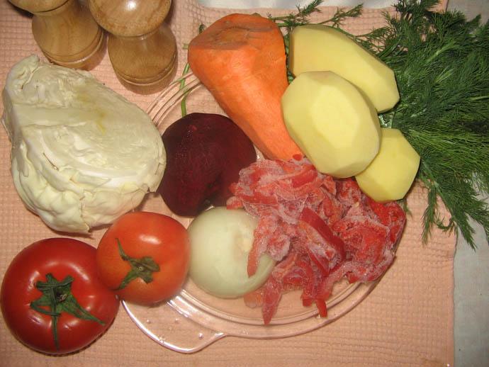 Овощи для борща следует выбирать тщательно, так как от их вкуса зависит насыщенный вкус вашего борщ
