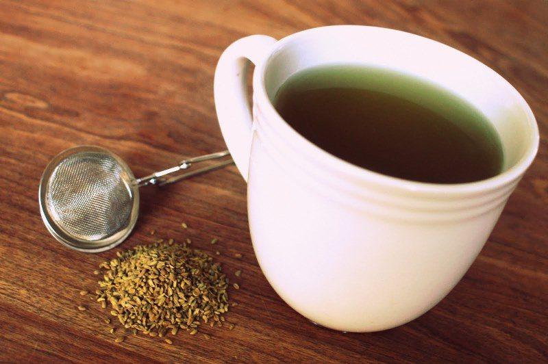 Анисовый чайный напиток помогает при простуде, сопровождающейся кашлем, метеоризме, решает проблемы с желудком