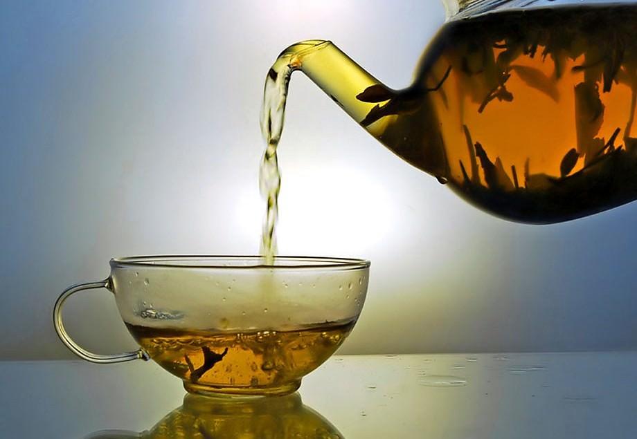 Настаивать чай из багульника болотного требуется примерно полчаса