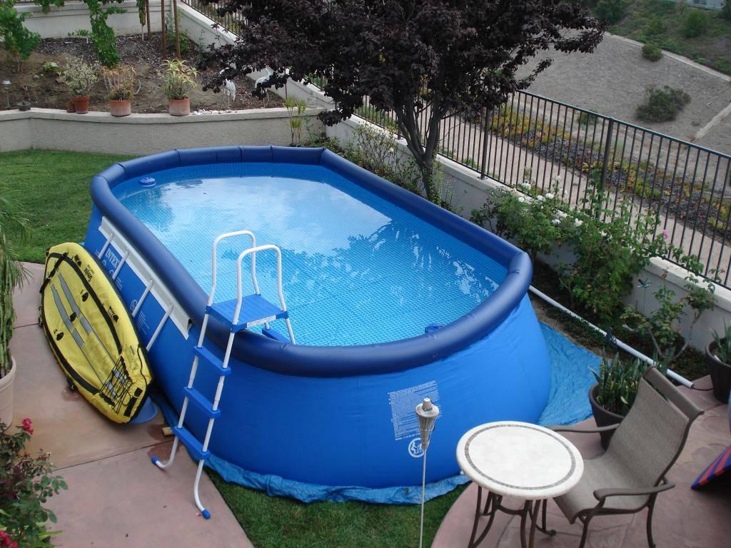 Самый простой и дешевый – это надувной бассейн из особо прочной резины