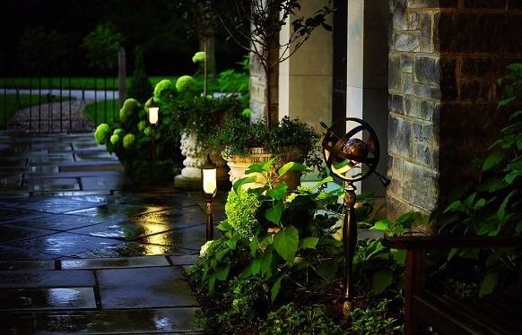 Системой регулирования и контроля наружного освещения оптимизируется уличная подсветка придомовой территории в тёмное время суток