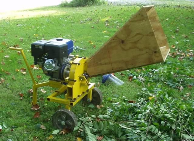 Эффективный измельчитель веток для мотоблока позволяет значительно уменьшить количество растительного мусора на приусадебном участке