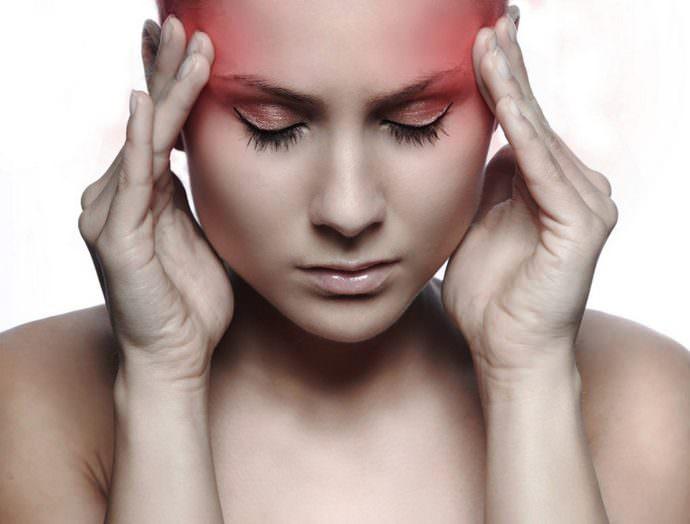 Длительное применение препаратов на основе лакрицы приводит к головным болям
