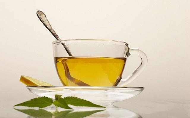 Вместо обычного чая можно употреблять чай на основе цветков первоцвета