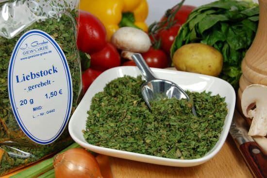 Любисток в высушенном виде используется в качестве вкусной и полезной приправы