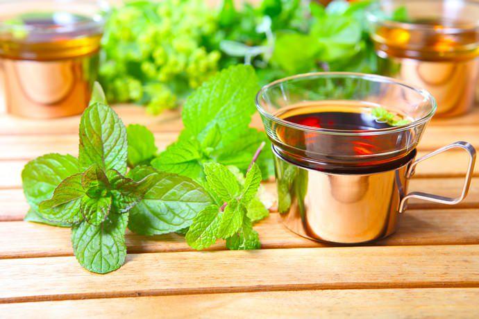 Чай с добавлением кошачьей травы обладает заметным мочегонным действием, поэтому пить его рекомендуется за полтора-два часа до сна