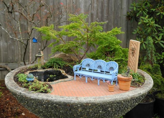 Мини-сад отличается и от обычных оконных цветов, и от садового участка