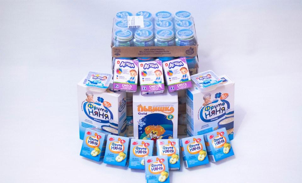 Новорожденным деткам полагается молочная смесь, фруктовое пюре и соки