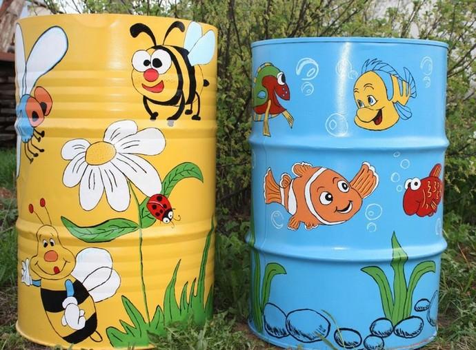 Для оформления детской или игровой зоны, можно использовать ёмкости с наиболее веселыми и сюжетными рисунками