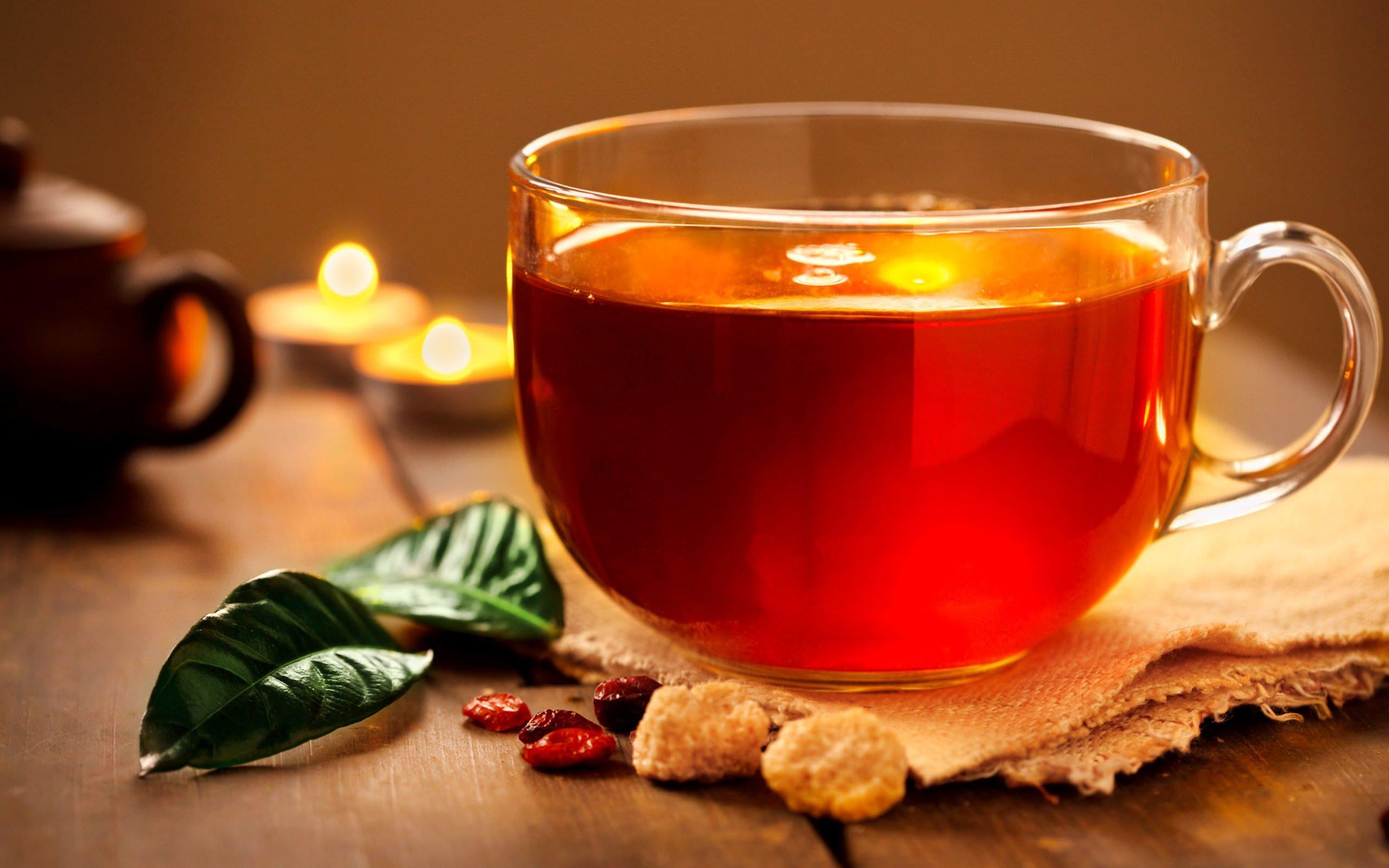 Во время простуды, а также для восстановления сил после инфекционных болезней делают чай из половины чайной ложки измельченных листьев рододендрона кавказского