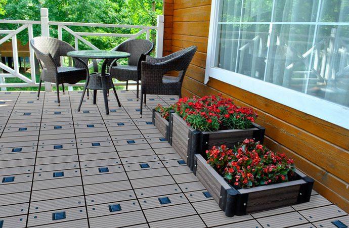Садовый паркет отличается долговечностью, внешней привлекательностью и доступной стоимостью