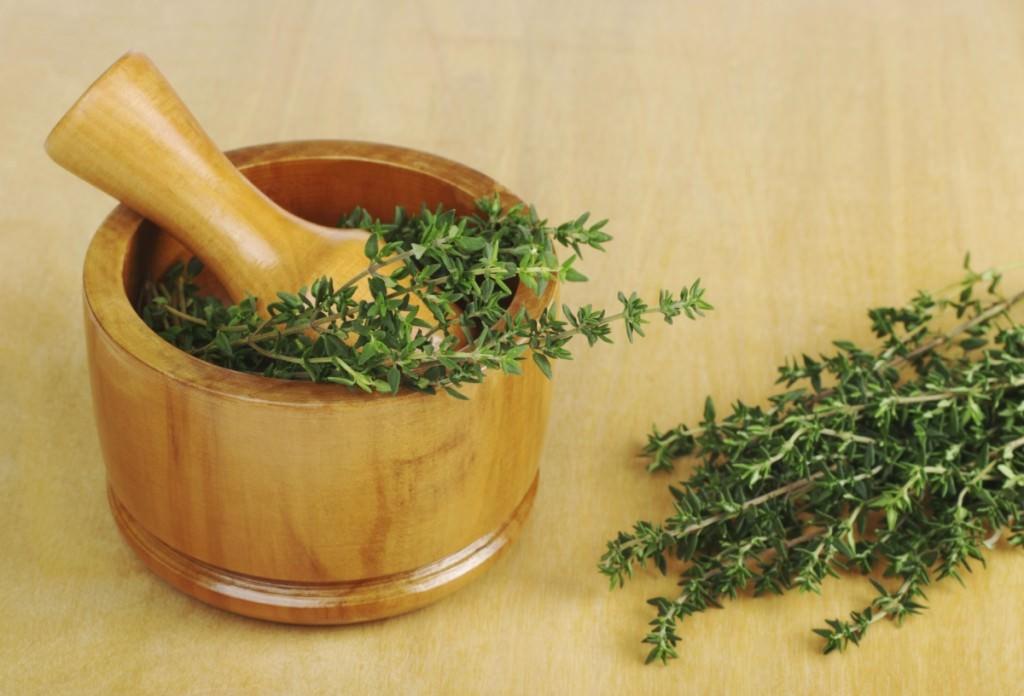 Тимьян очень распространен и в кулинарии, и в ландшафтном дизайне, и в косметологии, и даже в народной медицине
