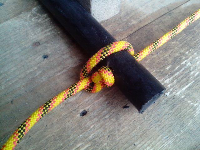 Веревочная лестница своими руками: как сделать канатную, из веревки, узлы, ступень на канате в колодец