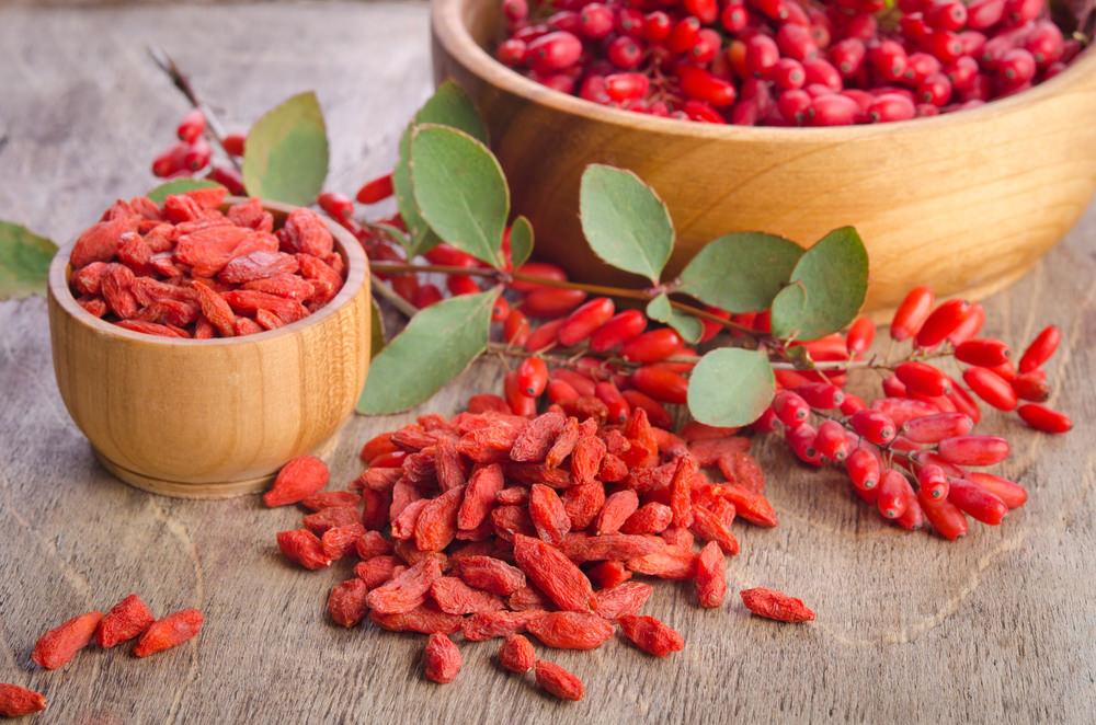В составе ягод годжи присутствуют витамины, укрепляющие организм