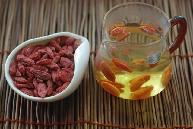 Отвар плодов годжи издревле используются в традиционной медицине азиатских стран и кулинарии