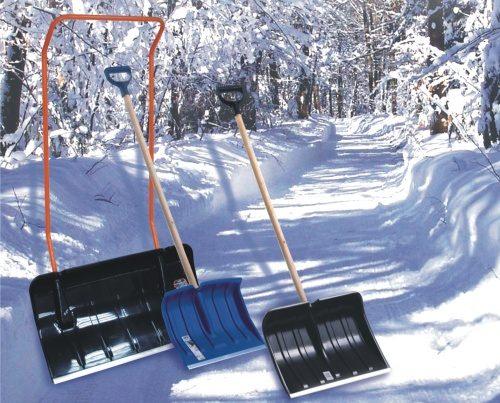 Инвентарь для уборки снега: характеристика видов и критерии выбора