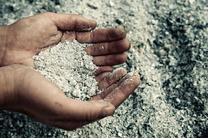 Зола применяется для удобрения почвы с древних времен