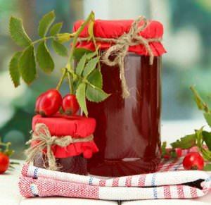 Шиповник является одним из наиболее известных лекарственных растений
