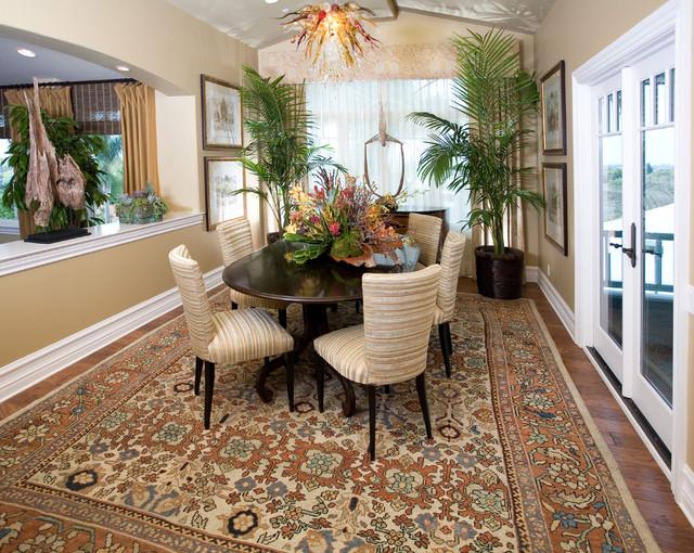 Домашние или комнатные декоративные пальмы очень популярны и востребованы во флористическом дизайне современного интерьера