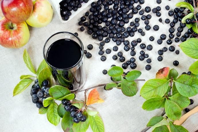 Морс – это еще один полезный и вкусный напиток, который можно приготовить из рябины