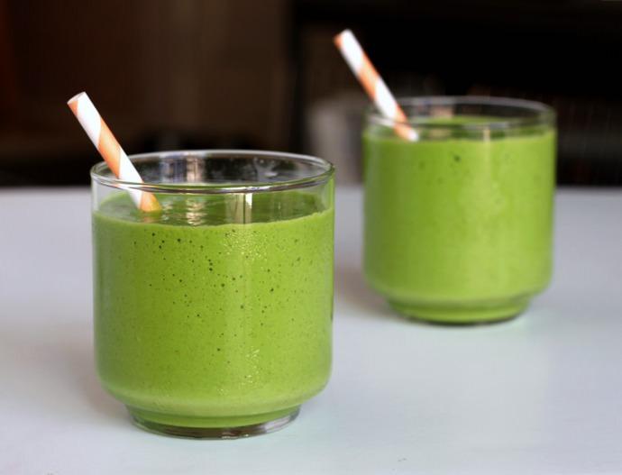 Вкусный и полезный напиток из фейхоа и яблок можно с легкостью приготовить в домашних условиях