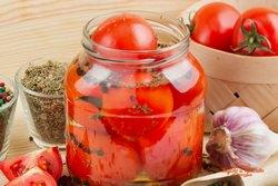 Маринованные помидоры на зиму: 6 невероятных рецептов
