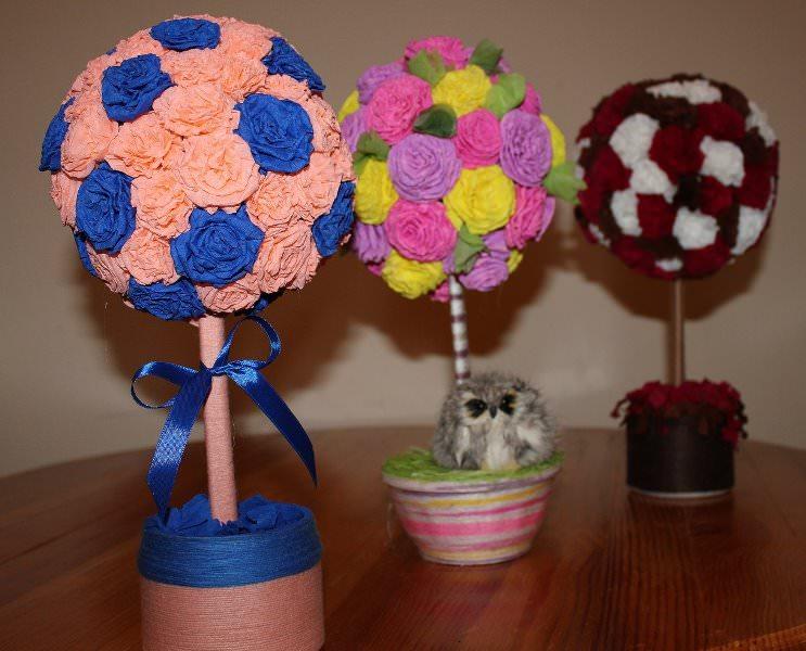 Крепированная бумага традиционно используется для изготовления цветов