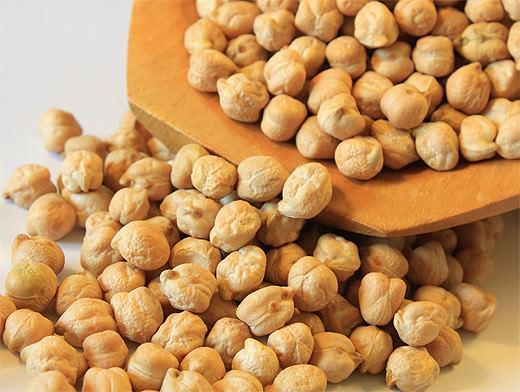 Польза и вред нута обусловлены химическим составом и пищевой ценностью зернобобовой культуры