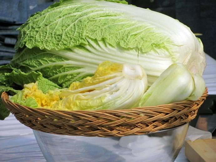 Китайская капуста отлично сочетается с другими овощами