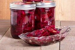 Рецепты салатов из свеклы: простые и оригинальные заготовки