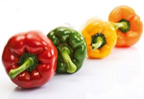 Польза и вред болгарского перца известны практически всем огородникам нашей страны