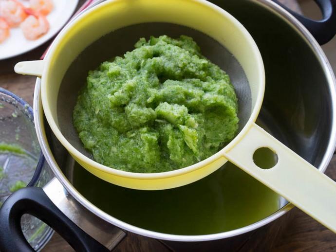Самый быстрый способ засолки этих овощей заключается в отсутствии необходимости приготовления маринада
