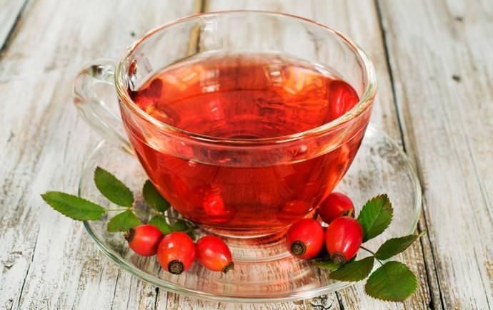 Для приготовления чая, настоев, отваров и соков используют либо свежие, либо высушенные плоды шиповника
