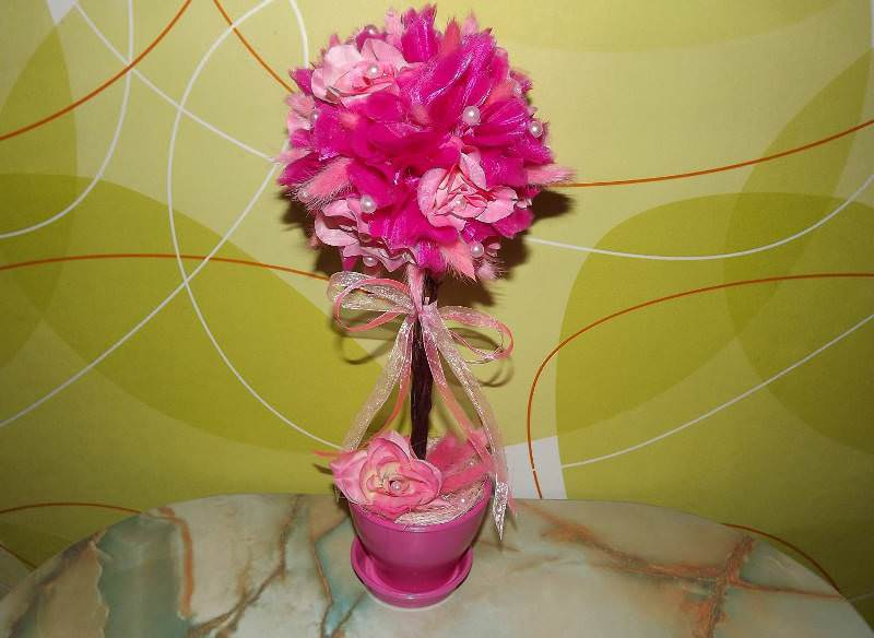 Топиарий из роз - оригинальное деревце