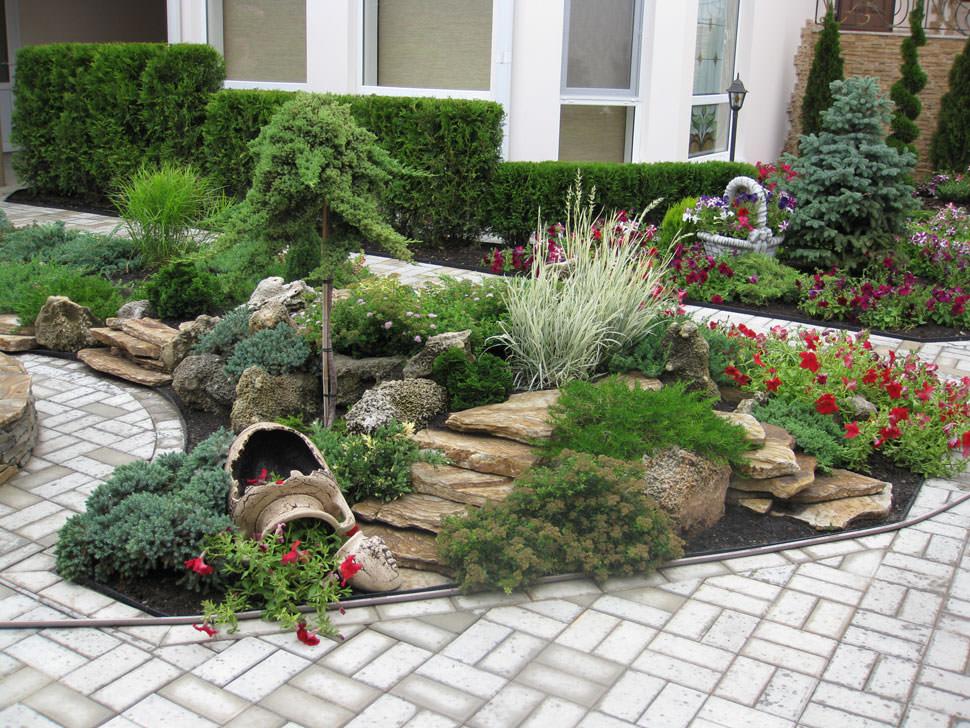 Хвойные в ландшафтном дизайне дачного участка (39 фото): композиции с растениями хвойники, лиственные в саду, с розами