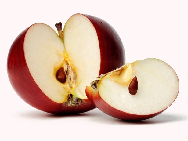 Косточки от яблок включают в себя суточное содержание такого полезного элемента, как йод