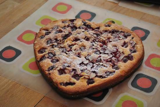 Венский пирог с вишней имеет неповторимый вкус