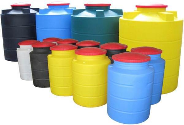 Емкости для хранения воды на дачной территории