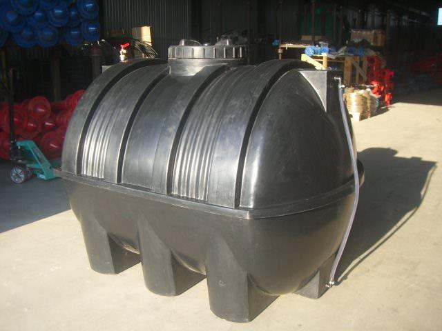 Как устанавливается емкость для воды на даче и что для этого необходимо?