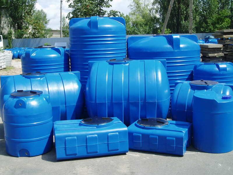 Какого объема необходима емкость для хранения воды на даче?