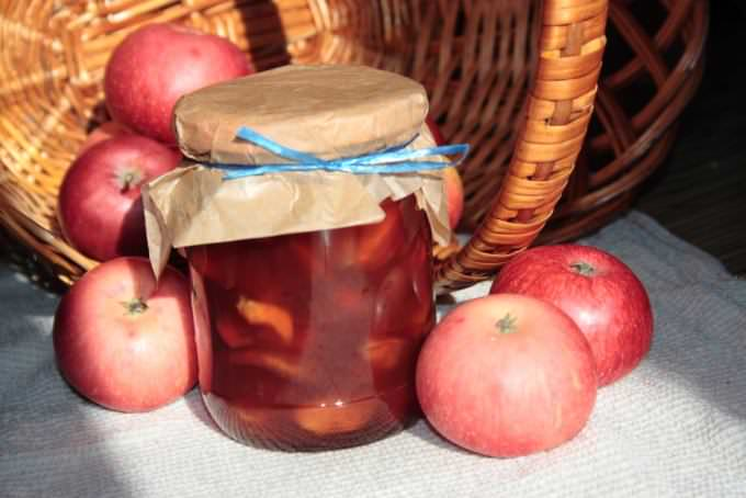 Яблоки сорта «Коричное» употребляются для варки варенья